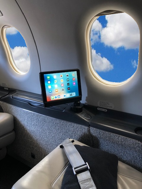 cupholder_in_airplane